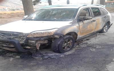 آتش گرفتن 2 خودرو در خرمآباد/ ليفان در شعلهها سوخت