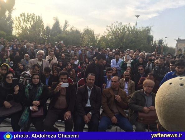 مراسم نهمین سالگرد درگذشت شاعر و خواننده لرزبان استاد بهمن علاءالدین در کرج برگزار شد.