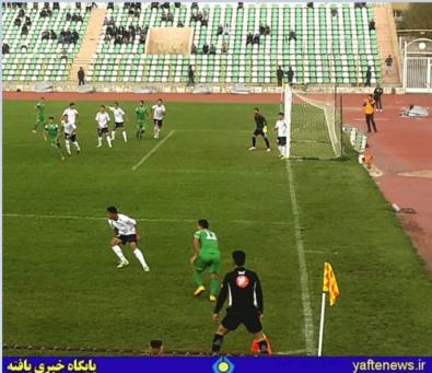 تیم فوتبال خیبر خرمآباد به مصاف پاس همدان رفت