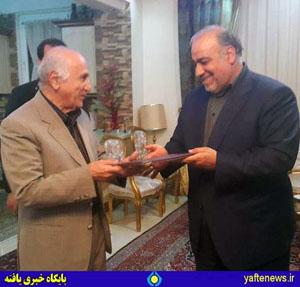 استاندار از زحمات ایرج کاظمی تقدیر کرد