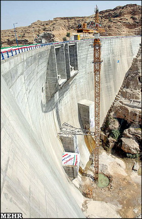 سد و نیروگاه رودبار لرستان تعطیل شد/ بيكار شدن 1200 كارگر و نيروي پروژه