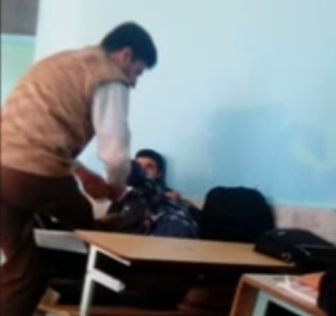 کتک زدن دانش آموزان توسط معلم الیگودرزی/ مسوولان: با خاطی برخورد کردیم