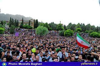 گزارش تصویری: جشن پیروزی طرفداران حسن روحانی در خرمآباد